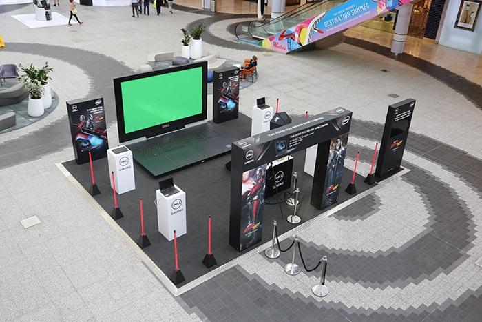 shopping centre green screen